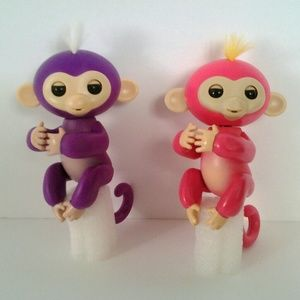 Finger Monkey PURPLE interactive toy.